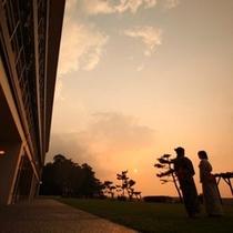 芝生広場の夕焼け