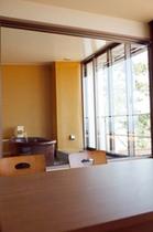 デラックス&OVS 部屋と風呂 縦