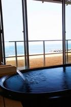 デラックス&OVS 風呂から見た海