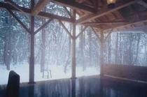 【正徳の湯(檜露天)】雪景色の頃