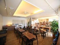 朝食会場「ククルカフェ」朝食営業時間6:30〜10:00