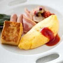 【ダイニング暖琉満菜】朝食バイキングオムレツ例