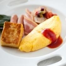 朝食(オムレツ)