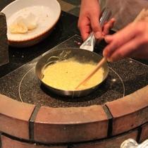 【朝食の和洋バイキング】オムレツ調理風景