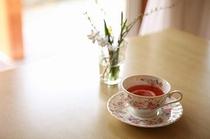 テーブルとお茶
