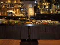 ランチのサラダビュッフェ 20種類のサラダが食べ放題