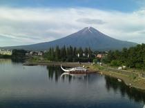 【四季の富士】河口湖大橋よりの夏の富士