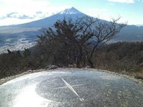 【観光スポット】三つ峠頂上からの富士