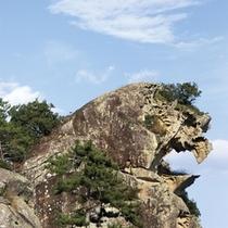 △熊野国総鎮守大馬神社の狛犬-獅子岩-