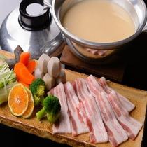 ●2016 冬 岩清水豚の味噌みかん鍋