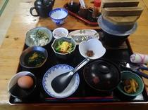 釜炊きご飯のヘルシー膳、《朝食》