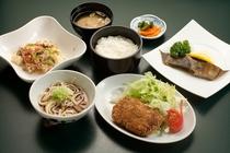 《日替わり夕定食(数量限定)》¥980