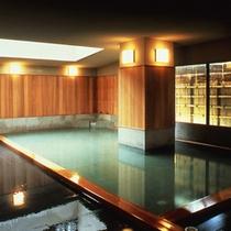 湯巡り【姉妹館ホテル圓山荘】桧の露天風呂