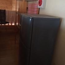 ・・・和室のお客様用の共同冷蔵庫・・・