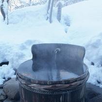 *【露天風呂】雪景色に囲まれて、温泉浴をお楽しみ下さい。