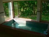明るいうちに入浴されますと素晴らしい景色を眺めながら入浴を楽しめます。