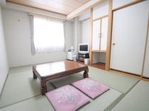 【和室】情緒あふれる和室。畳の香りに癒されます。※全室禁煙