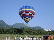 【周辺】3. 熱気球係留フライト(早朝 朝食前)