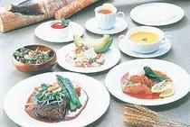 5. 夕食の一例です新鮮な魚介類と富良野産の食材を使った、コースディナー
