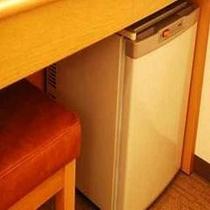 ●客室備品● 空の冷蔵庫