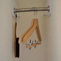 ●客室備品● ハンガー、洋服ブラシ