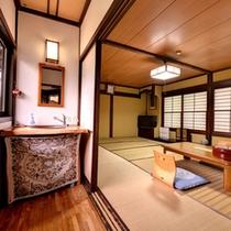 *【和室12畳客室一例】和の趣を感じる落ち着いた雰囲気の客室です。