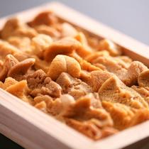 【由良の赤雲丹】 上品な甘さが人気・夏期限定の淡路ブランド食材です