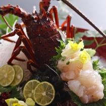 【記念日】縁起の良い食べ物として古くからお祝い事にはかかせない伊勢海老を姿造りで(別途料金)