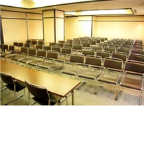 2号館 8〜9会議室 シアター 73名