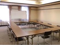 2号館 第9会議室 ロの字