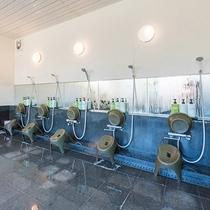 *【風呂/男湯】こちらが洗い場スペースとなります。