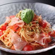 くつろぎプラン:トマトと生ハムの冷製パスタ