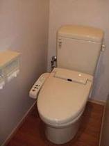 客室の中のトイレ、ウオッシュレットです