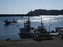 冬磯の口の日の相差漁港の様子。