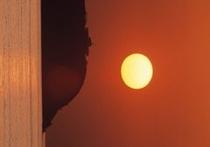 水平線と夕陽