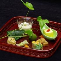*【ご夕食一例】素材に妥協しない料理長が真心こめて作る季節の京会席です