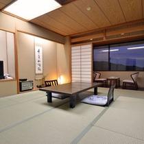 *生駒山系から平群平野が望める落ち着いた雰囲気の純和風客室です