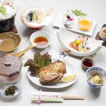【骨付き鳥プラン】香川のご当地グルメとうどんすきが味わえる人気のプランです