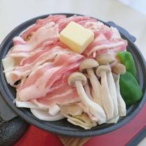 【料理グレードアッププラン】ヘルシー&素材の味が楽しめる豚の陶板蒸し