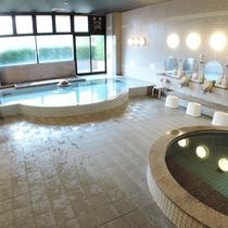 *大浴場:美肌、疲労回復に効果がある肌に優しい温泉です
