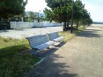 浜崎海岸ベンチ
