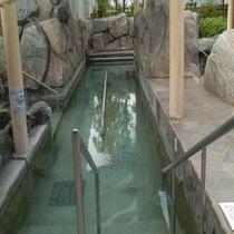 男湯の歩行浴