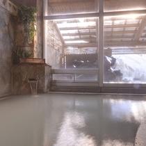 *大浴場/ほんのり薫る硫黄の香りも天然温泉だからこそ。