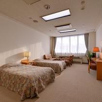 *ツイン(客室一例)/カップルやご夫婦に◎ふかふかのベッドで安眠の夜を。