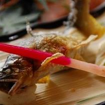 【夕食・鮎の塩焼き】