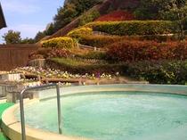 「花の湯」露天風呂