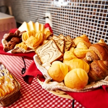 【Lohas無料健康朝食】パンもご準備しております!