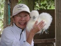 烏骨鶏とママ