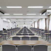 *館内/最大の研修室で200名まで可能