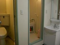 洋室は全室バス・トイレが別々です